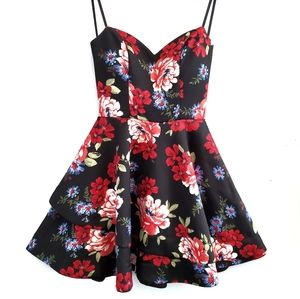 B. Darlin Floral Stapless Mini Dress NWOT!